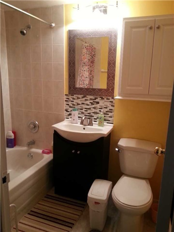 Condo Apartment at 940 Caledonia Rd, Unit 906, Toronto, Ontario. Image 11