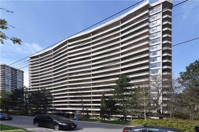 Condo Apartment at 100 Quebec Ave, Unit 605, Toronto, Ontario. Image 1