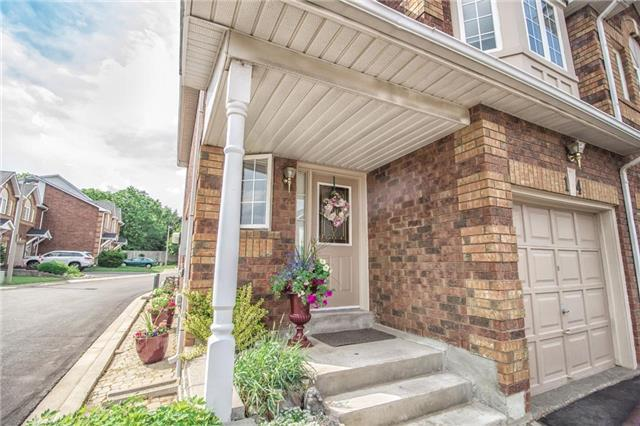 Condo Townhouse at 1425 Abbeywood Dr, Unit 14, Oakville, Ontario. Image 5