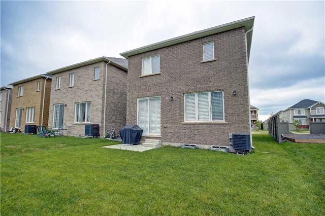 Detached at 415 Etheridge Ave, Milton, Ontario. Image 13