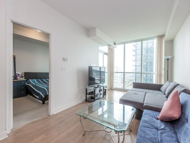 Condo Apartment at 3985 Grand Park Dr, Unit 2103, Mississauga, Ontario. Image 11