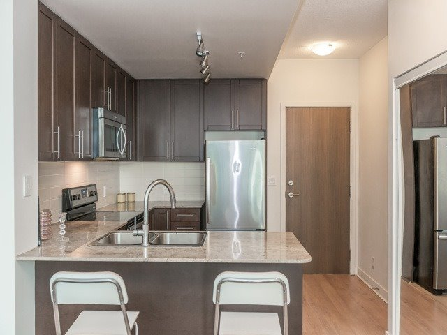 Condo Apartment at 3985 Grand Park Dr, Unit 2103, Mississauga, Ontario. Image 2