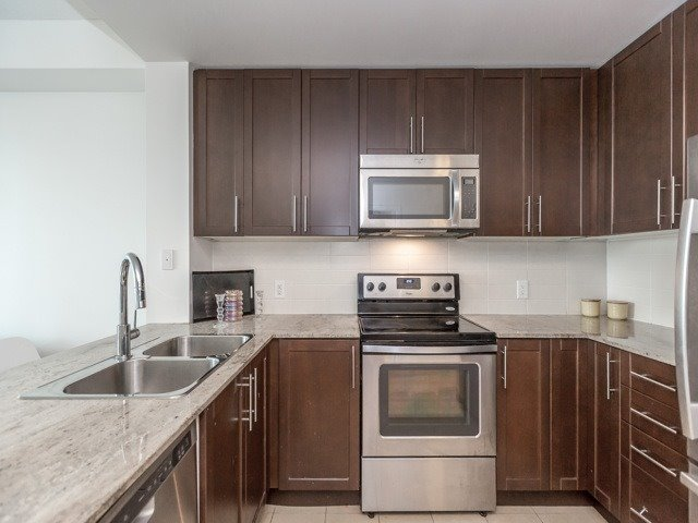 Condo Apartment at 3985 Grand Park Dr, Unit 2103, Mississauga, Ontario. Image 3