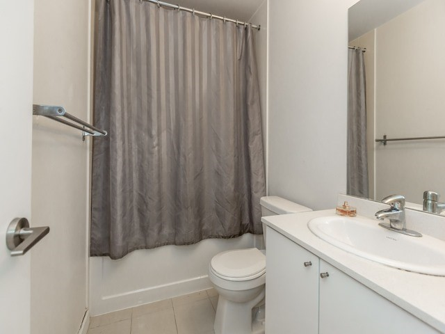 Condo Apartment at 3985 Grand Park Dr, Unit 2103, Mississauga, Ontario. Image 4