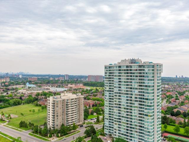 Condo Apartment at 3985 Grand Park Dr, Unit 2103, Mississauga, Ontario. Image 5
