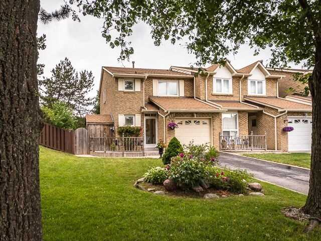 Semi-detached at 2111 Farrier Mews, Mississauga, Ontario. Image 1