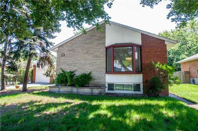 Detached at 1416 Liveoak Dr, Mississauga, Ontario. Image 6