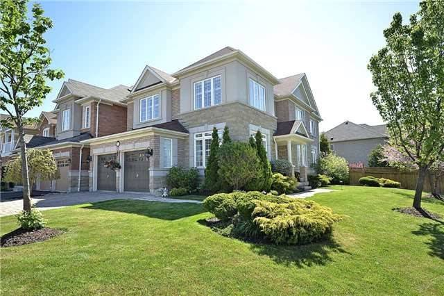 Detached at 5535 Doctor Peddle Cres, Mississauga, Ontario. Image 1
