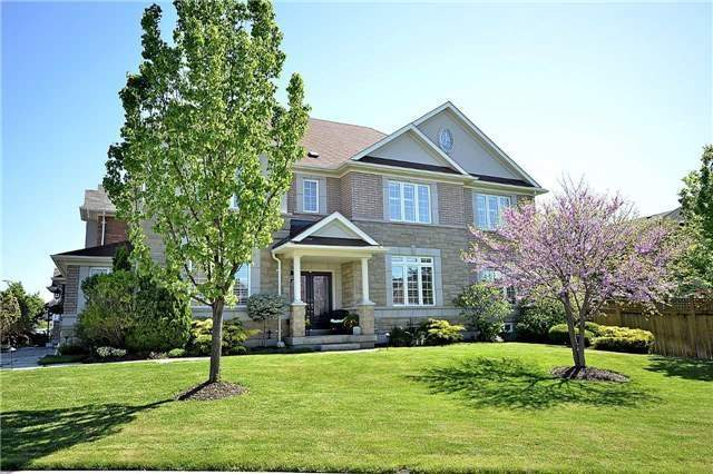 Detached at 5535 Doctor Peddle Cres, Mississauga, Ontario. Image 12