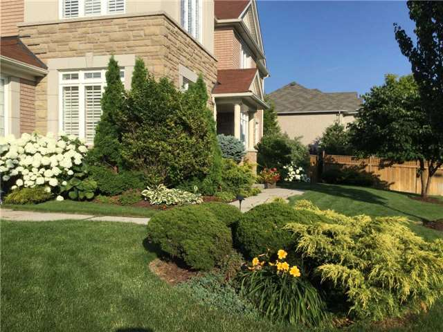 Detached at 5535 Doctor Peddle Cres, Mississauga, Ontario. Image 14