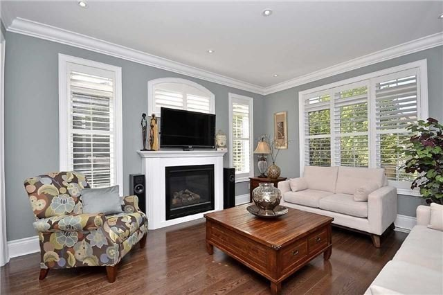 Detached at 5535 Doctor Peddle Cres, Mississauga, Ontario. Image 17