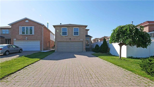 Detached at 1437 Kirkrow Cres, Mississauga, Ontario. Image 12