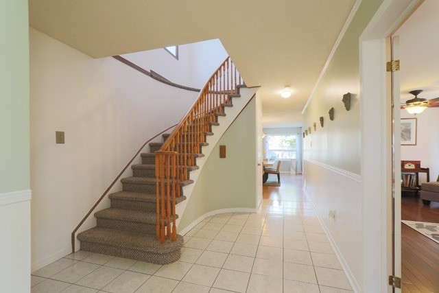 Detached at 3379 Dovetail Mews, Mississauga, Ontario. Image 14