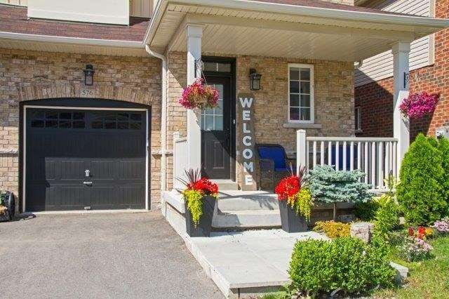 Townhouse at 576 Murray Meadows Pl, Milton, Ontario. Image 12