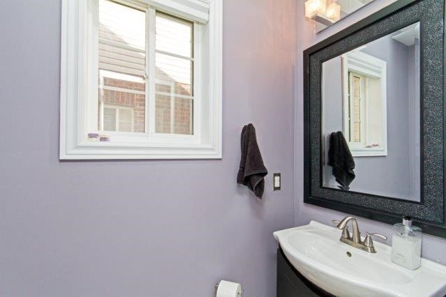 Townhouse at 576 Murray Meadows Pl, Milton, Ontario. Image 3