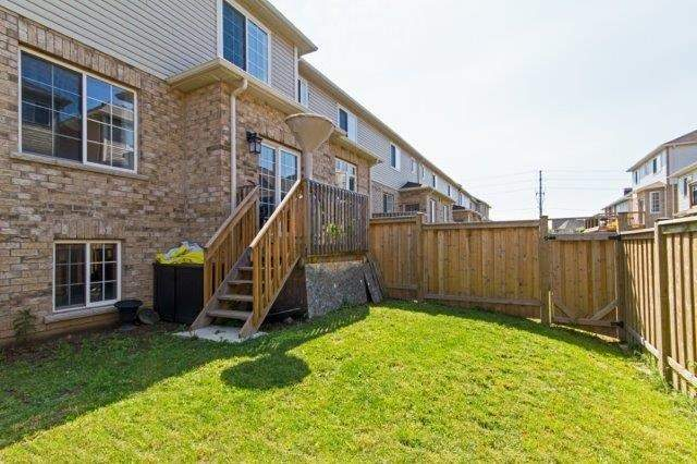 Townhouse at 576 Murray Meadows Pl, Milton, Ontario. Image 13