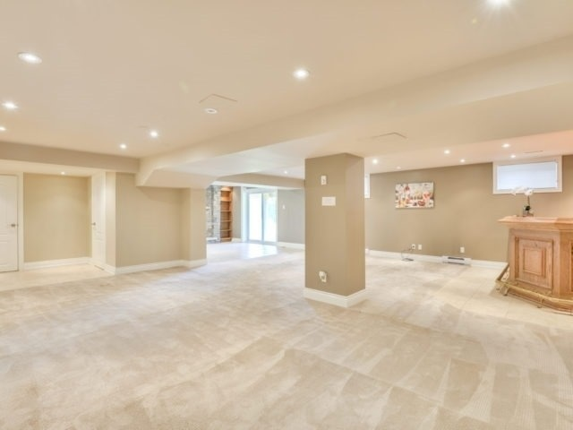 Detached at 15842 Horseshoe Hill Rd, Caledon, Ontario. Image 4