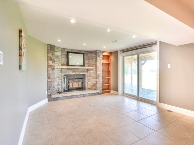 Detached at 15842 Horseshoe Hill Rd, Caledon, Ontario. Image 5
