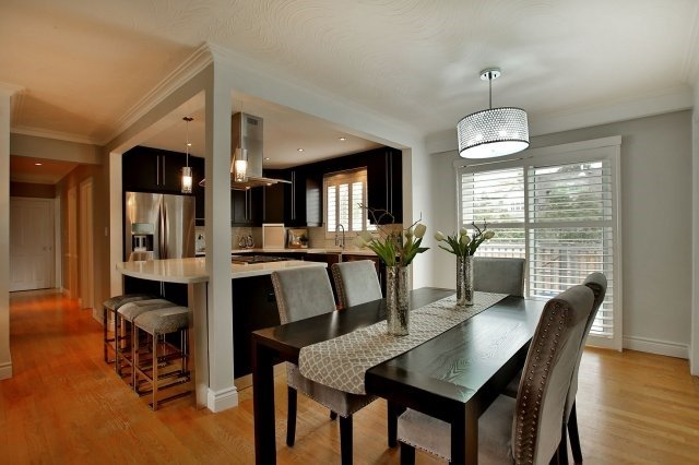 Detached at 1396 Acton Cres, Oakville, Ontario. Image 15