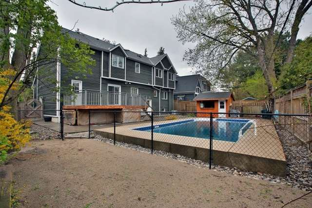 Detached at 1396 Acton Cres, Oakville, Ontario. Image 11