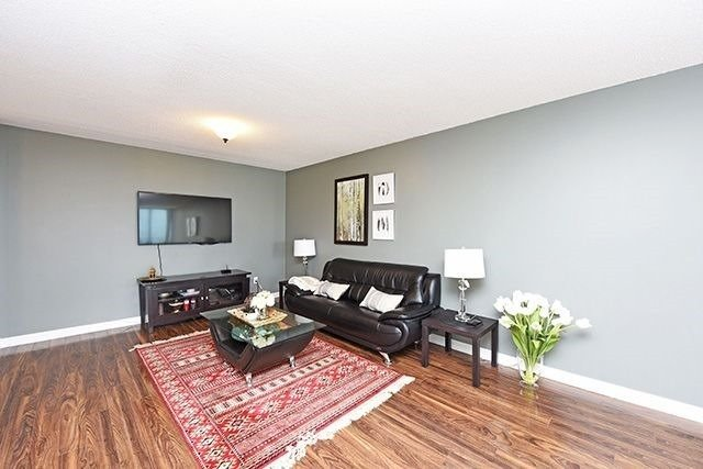 Condo Apartment at 350 Webb Dr, Unit 907, Mississauga, Ontario. Image 17