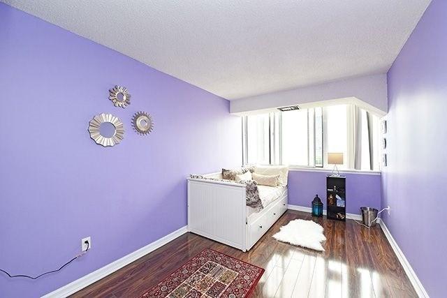 Condo Apartment at 350 Webb Dr, Unit 907, Mississauga, Ontario. Image 19