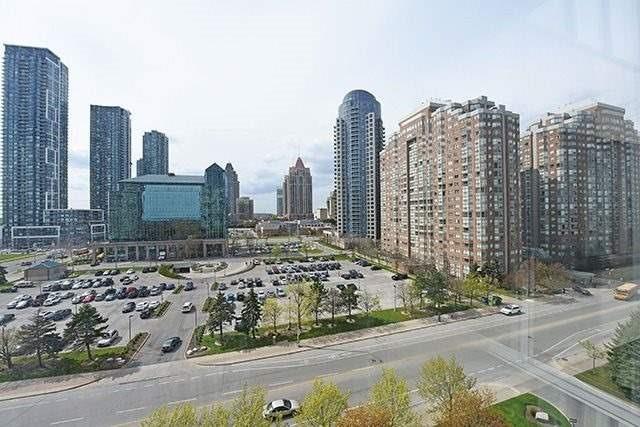 Condo Apartment at 350 Webb Dr, Unit 907, Mississauga, Ontario. Image 11