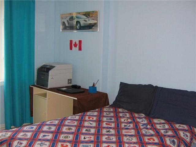 Condo Townhouse at 40 Connolly St, Toronto, Ontario. Image 9