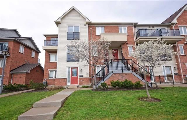 Condo Townhouse at 4620 Guildwood Way, Unit 71, Mississauga, Ontario. Image 1