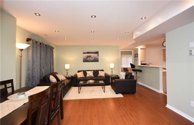 Condo Townhouse at 4620 Guildwood Way, Unit 71, Mississauga, Ontario. Image 14
