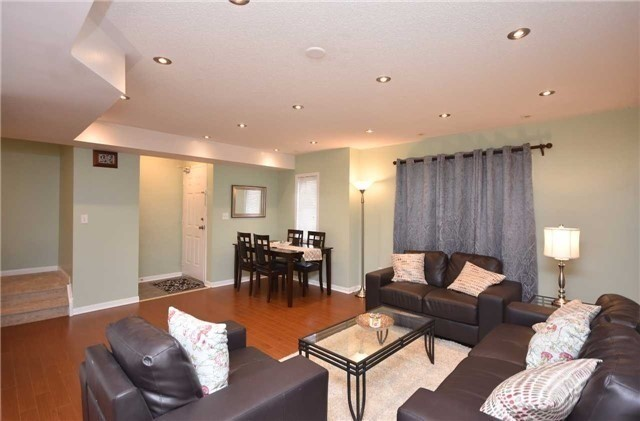 Condo Townhouse at 4620 Guildwood Way, Unit 71, Mississauga, Ontario. Image 16