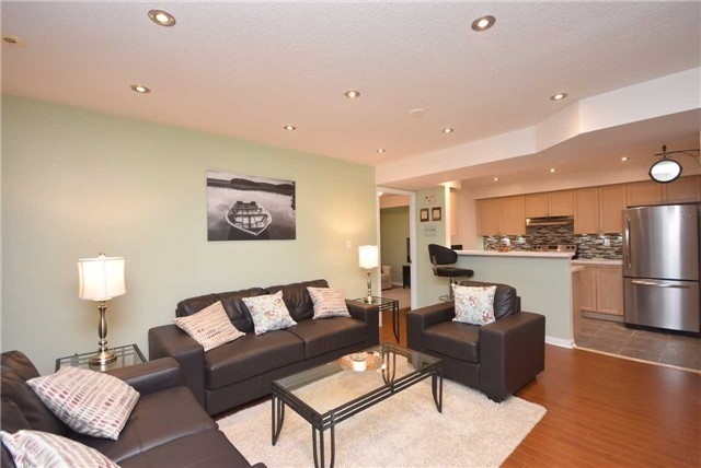 Condo Townhouse at 4620 Guildwood Way, Unit 71, Mississauga, Ontario. Image 17