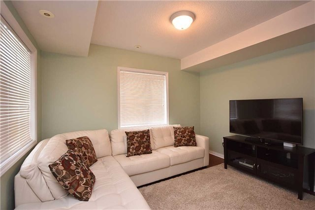 Condo Townhouse at 4620 Guildwood Way, Unit 71, Mississauga, Ontario. Image 20