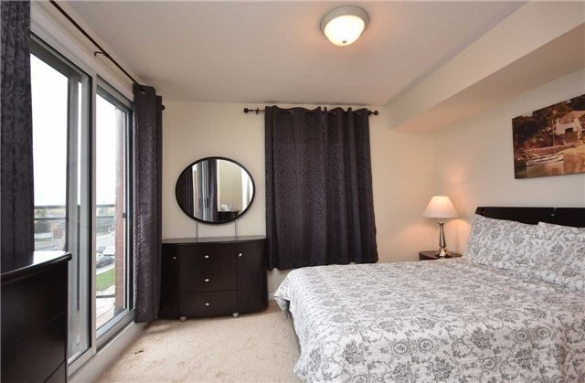 Condo Townhouse at 4620 Guildwood Way, Unit 71, Mississauga, Ontario. Image 2