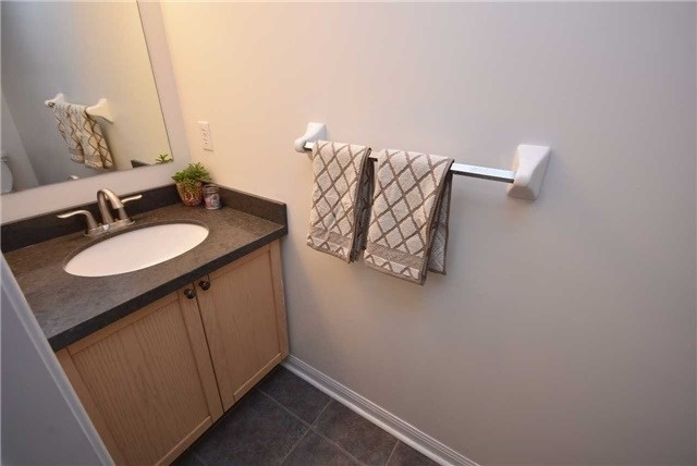 Condo Townhouse at 4620 Guildwood Way, Unit 71, Mississauga, Ontario. Image 7