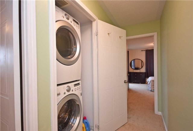 Condo Townhouse at 4620 Guildwood Way, Unit 71, Mississauga, Ontario. Image 10