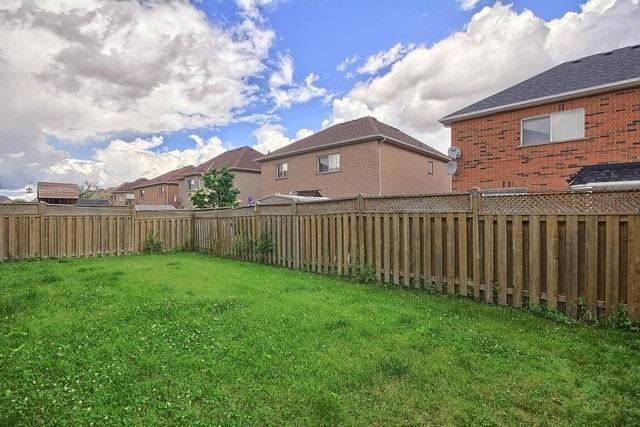 Detached at 131 Barleyfield Rd, Brampton, Ontario. Image 11
