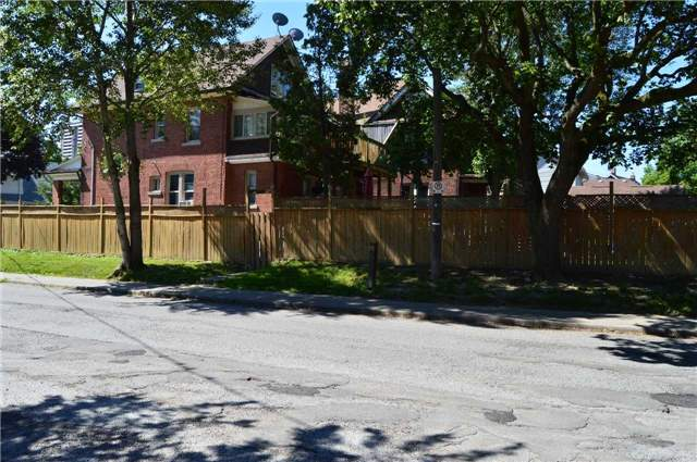 Detached at 64 Church St, Toronto, Ontario. Image 8