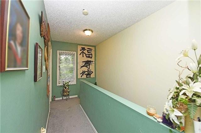 Townhouse at 3382 Nighthawk Tr, Mississauga, Ontario. Image 6
