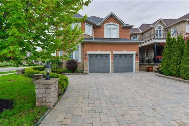 Detached at 2480 North Ridge Tr, Oakville, Ontario. Image 1