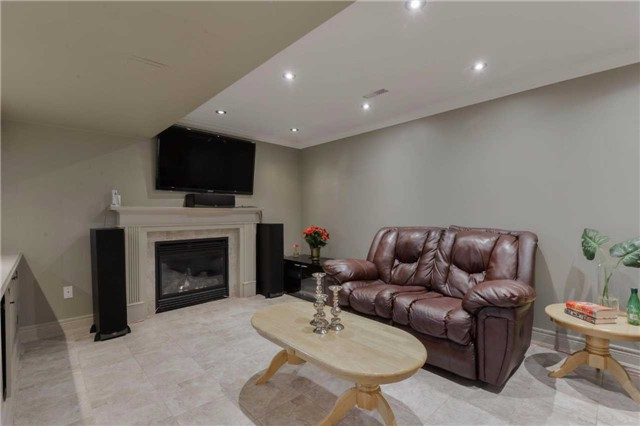 Detached at 2480 North Ridge Tr, Oakville, Ontario. Image 8