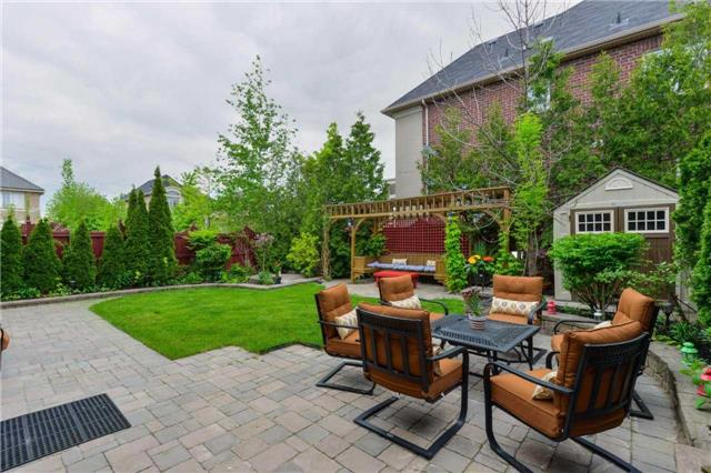 Detached at 2480 North Ridge Tr, Oakville, Ontario. Image 13