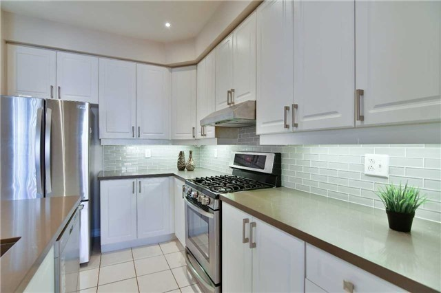 Semi-detached at 1349 Weir Chse, Mississauga, Ontario. Image 18