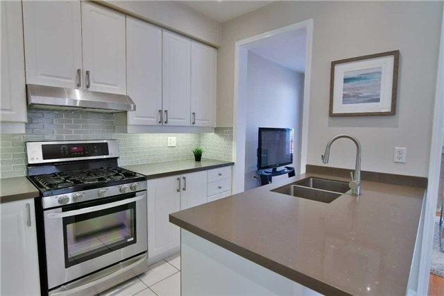 Semi-detached at 1349 Weir Chse, Mississauga, Ontario. Image 19