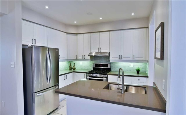Semi-detached at 1349 Weir Chse, Mississauga, Ontario. Image 2