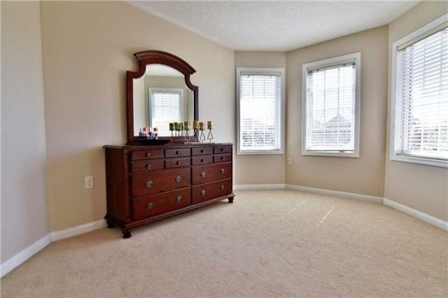 Semi-detached at 1349 Weir Chse, Mississauga, Ontario. Image 6