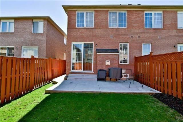 Semi-detached at 1349 Weir Chse, Mississauga, Ontario. Image 13