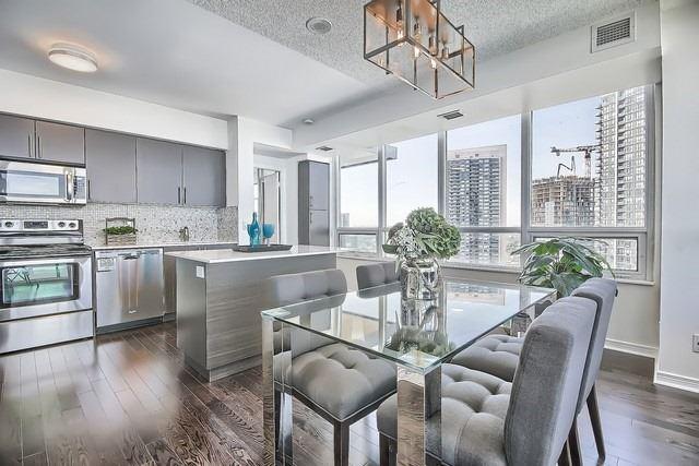 Condo Apartment at 2240 Lake Shore Blvd W, Unit 3106, Toronto, Ontario. Image 3