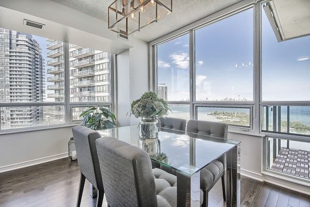 Condo Apartment at 2240 Lake Shore Blvd W, Unit 3106, Toronto, Ontario. Image 4