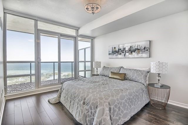 Condo Apartment at 2240 Lake Shore Blvd W, Unit 3106, Toronto, Ontario. Image 5
